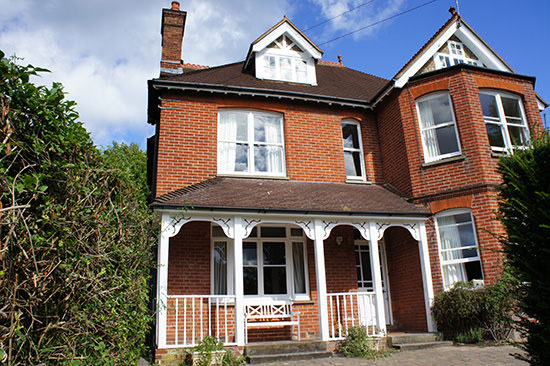 Painting And Decorating Exterior House Decorating In Godalming Surrey